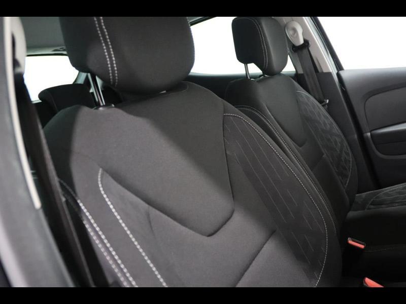 Photo 13 de l'offre de RENAULT Clio 1.2 16v 75 Limited 5p à 11990€ chez Autovia Véhicules Multimarques