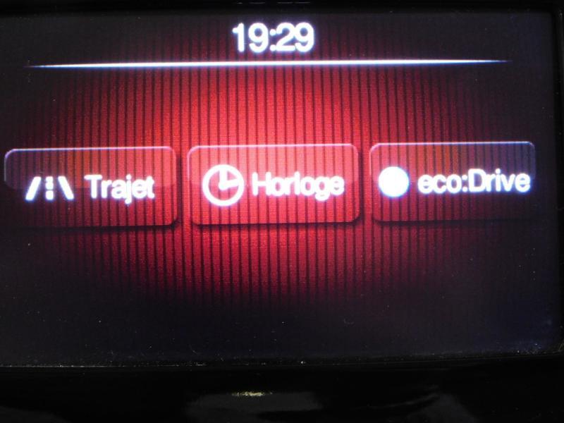 Photo 21 de l'offre de FIAT 500L 1.6 Multijet 16v 105ch S&S Lounge à 9290€ chez Autovia Véhicules Multimarques