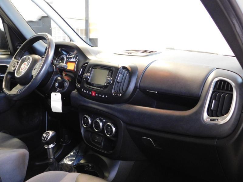 Photo 12 de l'offre de FIAT 500L 1.6 Multijet 16v 105ch S&S Lounge à 9290€ chez Autovia Véhicules Multimarques