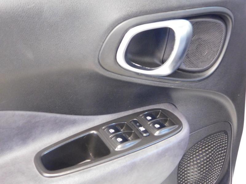 Photo 14 de l'offre de FIAT 500L 1.6 Multijet 16v 105ch S&S Lounge à 9290€ chez Autovia Véhicules Multimarques