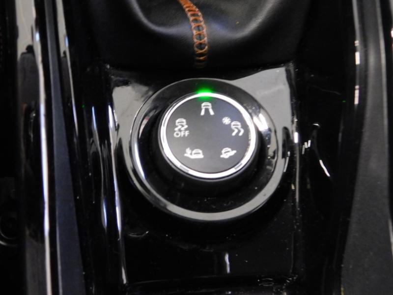 Photo 8 de l'offre de PEUGEOT 2008 1.6 BlueHDi 100ch Crossway à 11490€ chez Autovia Véhicules Multimarques