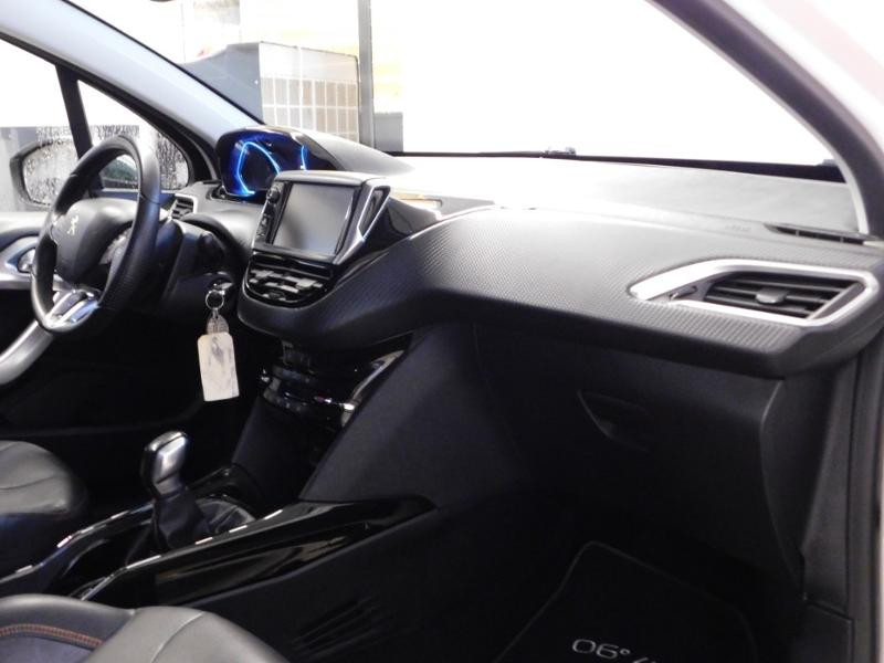 Photo 14 de l'offre de PEUGEOT 2008 1.6 BlueHDi 100ch Crossway à 11490€ chez Autovia Véhicules Multimarques