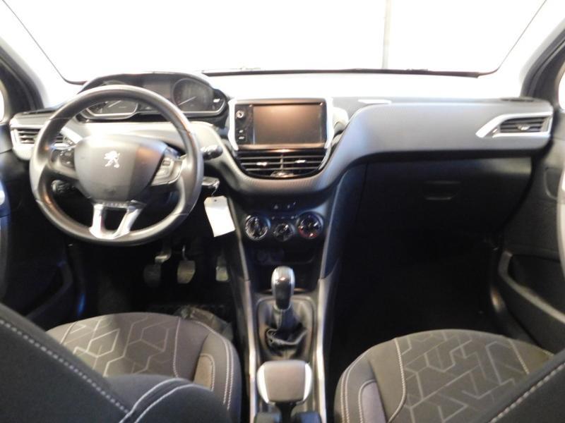 Photo 2 de l'offre de PEUGEOT 2008 1.2 PureTech 82ch Style à 12890€ chez Autovia Véhicules Multimarques