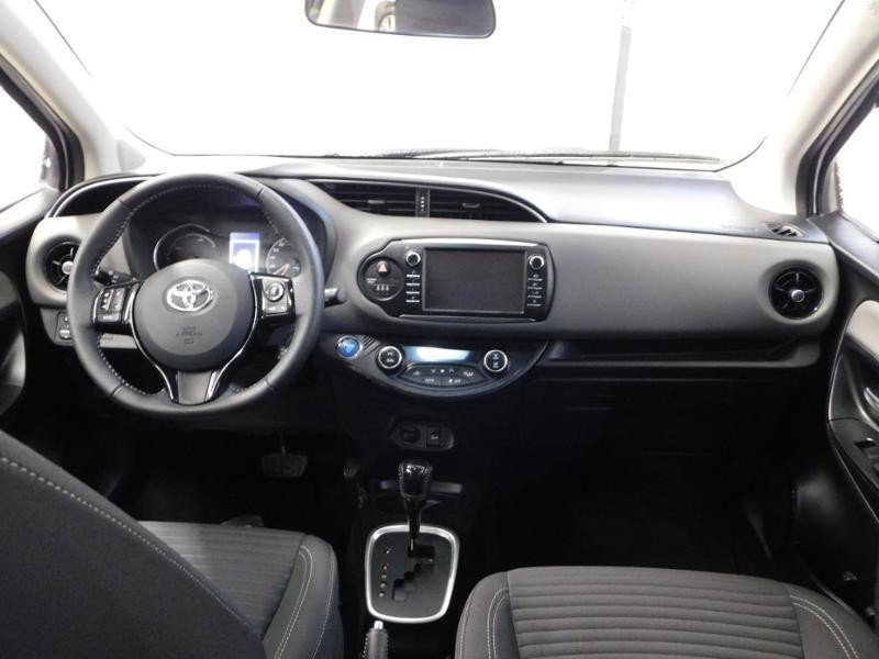 Photo 2 de l'offre de TOYOTA Yaris 1.5 Hybrid Feel à 16590€ chez Autovia Véhicules Multimarques