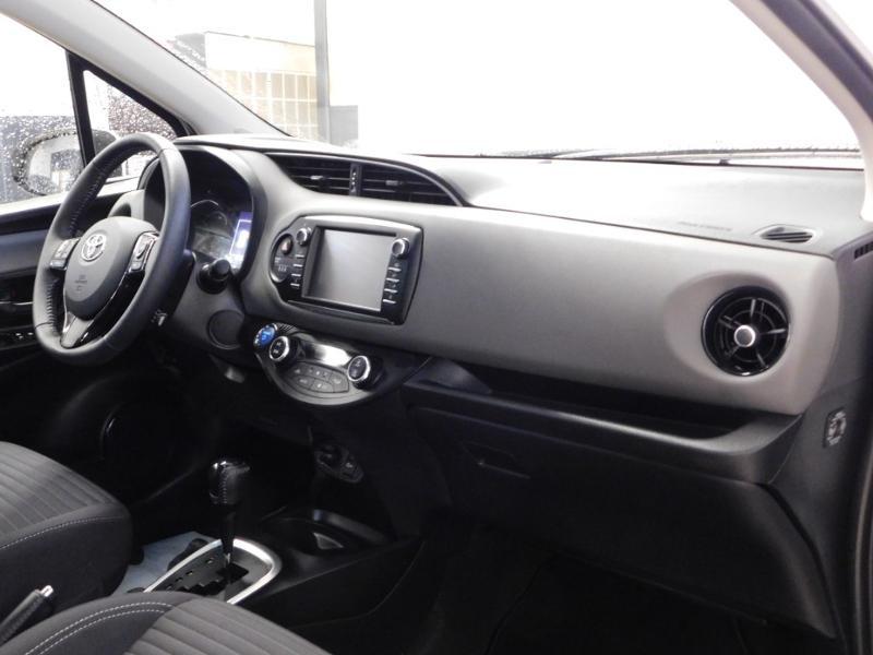 Photo 11 de l'offre de TOYOTA Yaris 1.5 Hybrid Feel à 16590€ chez Autovia Véhicules Multimarques