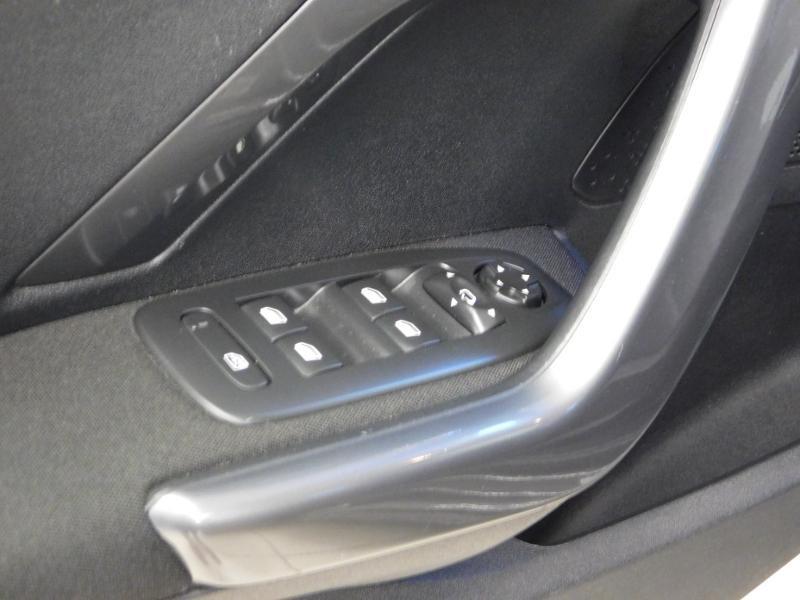 Photo 14 de l'offre de PEUGEOT 2008 1.2 PureTech 82ch Style à 12890€ chez Autovia Véhicules Multimarques