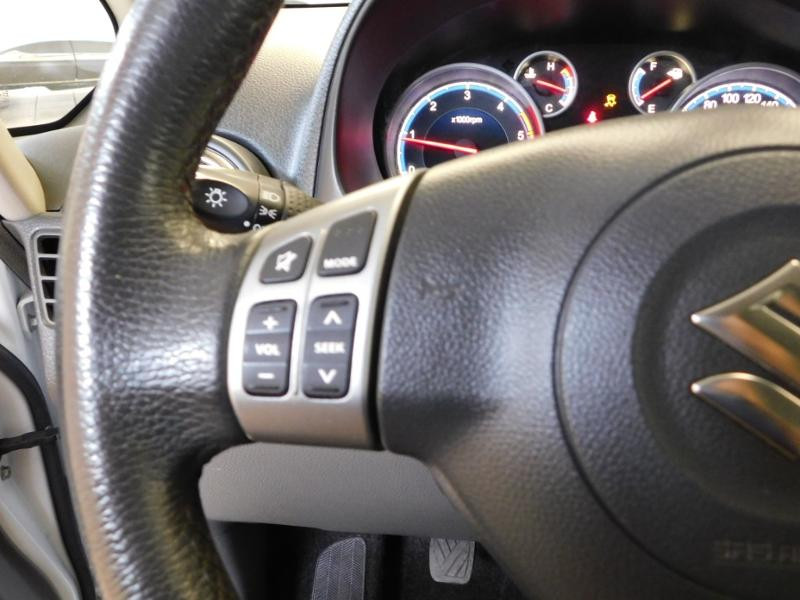 Photo 8 de l'offre de SUZUKI SX4 2.0 DDiS GLX 4X4 à 8990€ chez Autovia Véhicules Multimarques