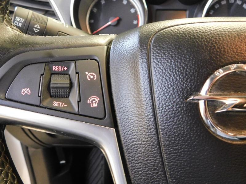 Photo 12 de l'offre de OPEL Mokka 1.4 Turbo 140ch Cosmo Pack Auto 4x2 à 13990€ chez Autovia Véhicules Multimarques