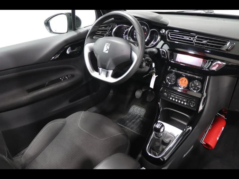 Photo 2 de l'offre de CITROEN DS3 Cabrio PureTech 82ch So Chic à 12990€ chez Autovia Véhicules Multimarques