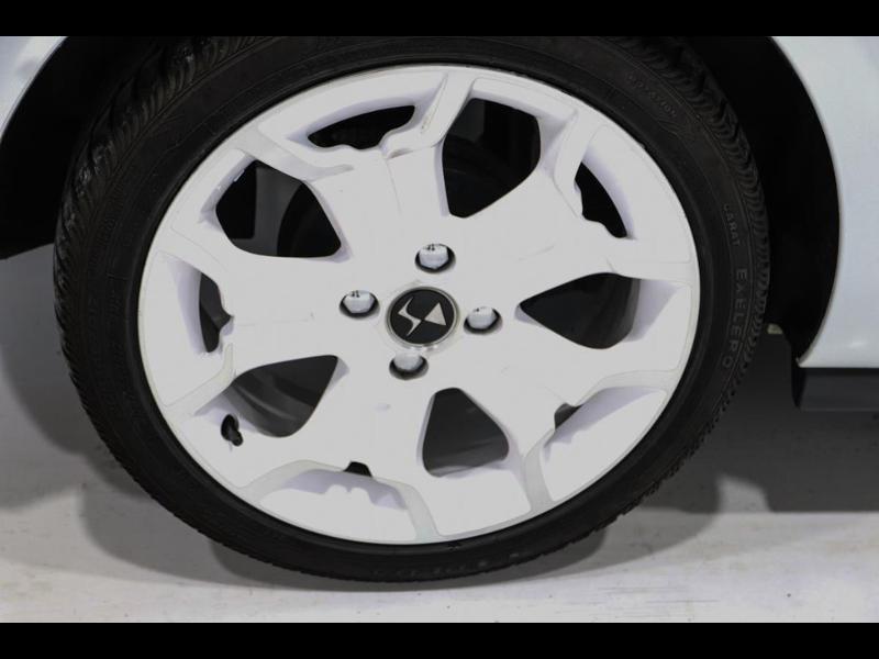 Photo 5 de l'offre de CITROEN DS3 Cabrio PureTech 82ch So Chic à 12990€ chez Autovia Véhicules Multimarques