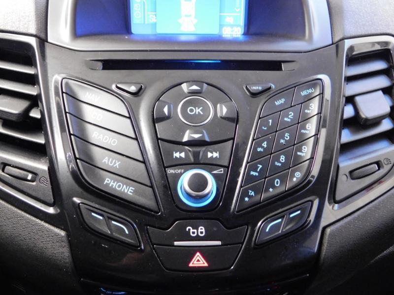Photo 18 de l'offre de FORD Fiesta 1.5 TDCi 95ch FAP Titanium 5p à 10490€ chez Autovia Véhicules Multimarques