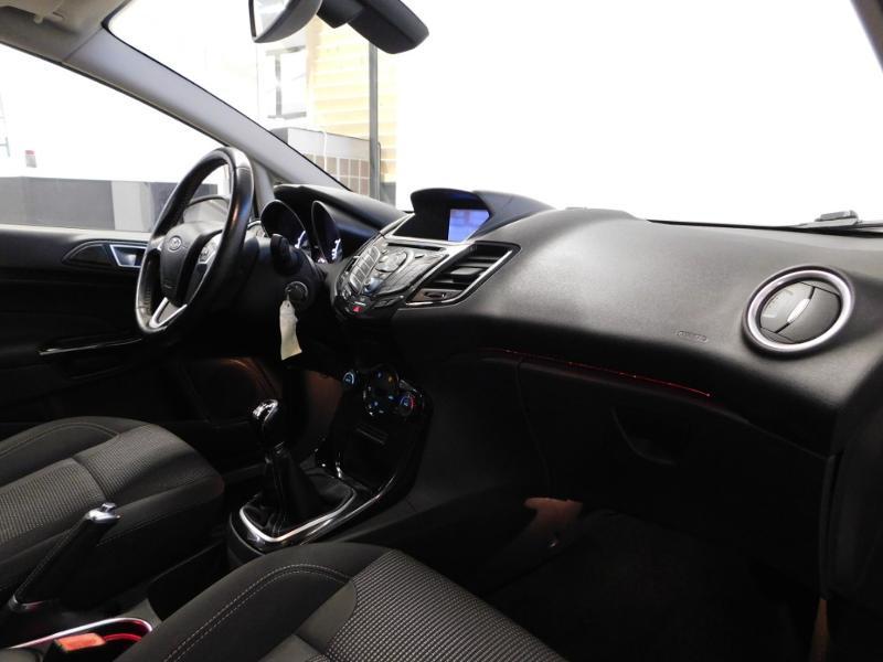 Photo 9 de l'offre de FORD Fiesta 1.5 TDCi 95ch FAP Titanium 5p à 10490€ chez Autovia Véhicules Multimarques