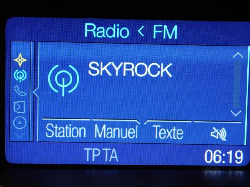 Photo 17 de l'offre de FORD Fiesta 1.5 TDCi 95ch FAP Titanium 5p à 10490€ chez Autovia Véhicules Multimarques