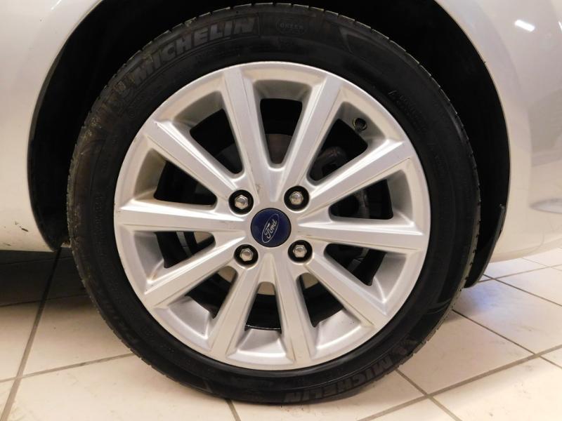 Photo 5 de l'offre de FORD Fiesta 1.5 TDCi 95ch FAP Titanium 5p à 10490€ chez Autovia Véhicules Multimarques