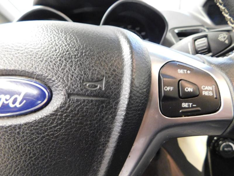 Photo 15 de l'offre de FORD Fiesta 1.5 TDCi 95ch FAP Titanium 5p à 10490€ chez Autovia Véhicules Multimarques