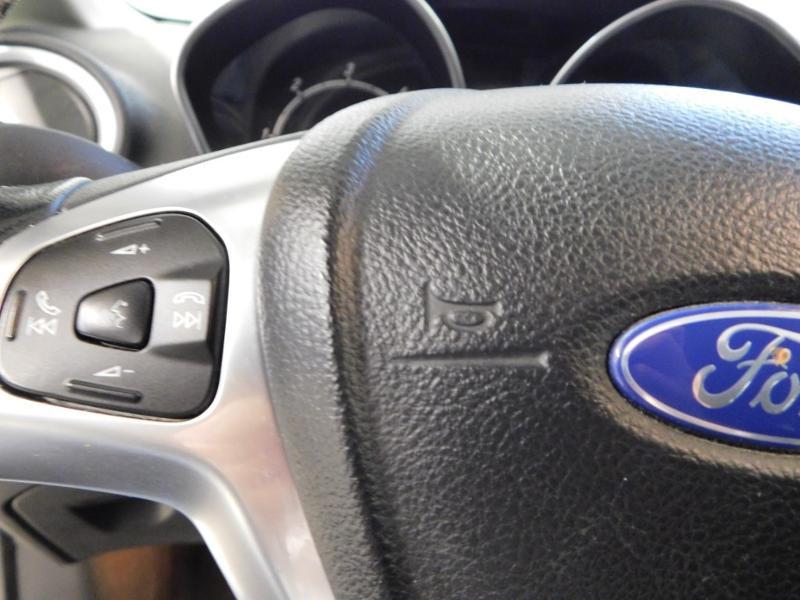 Photo 14 de l'offre de FORD Fiesta 1.5 TDCi 95ch FAP Titanium 5p à 10490€ chez Autovia Véhicules Multimarques