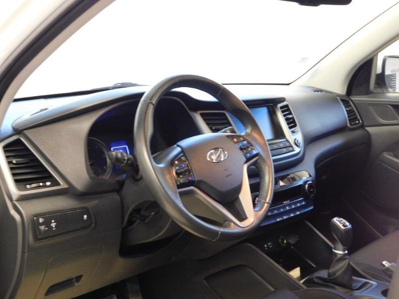 Photo 4 de l'offre de HYUNDAI Tucson 1.7 CRDI 115ch Executive 2WD à 18990€ chez Autovia Véhicules Multimarques