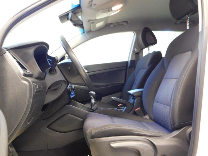 Photo 9 de l'offre de HYUNDAI Tucson 1.7 CRDI 115ch Executive 2WD à 18990€ chez Autovia Véhicules Multimarques