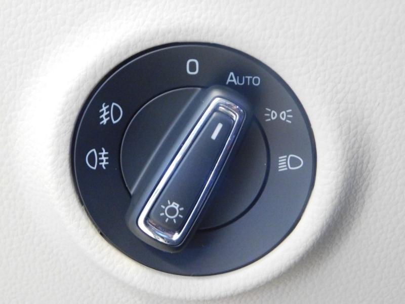 Photo 12 de l'offre de SKODA Superb 2.0 TDI190 SCR Greentec Laurin&Klement DSG à 18490€ chez Autovia Véhicules Multimarques