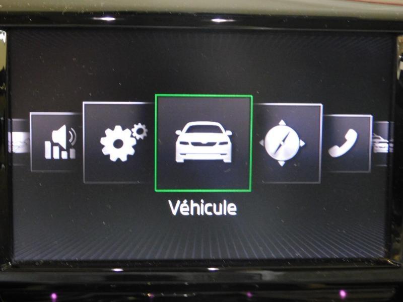 Photo 25 de l'offre de SKODA Superb 2.0 TDI190 SCR Greentec Laurin&Klement DSG à 18490€ chez Autovia Véhicules Multimarques