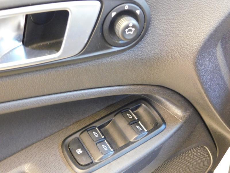 Photo 12 de l'offre de FORD EcoSport 1.0 EcoBoost 125ch Titanium à 12990€ chez Autovia Véhicules Multimarques