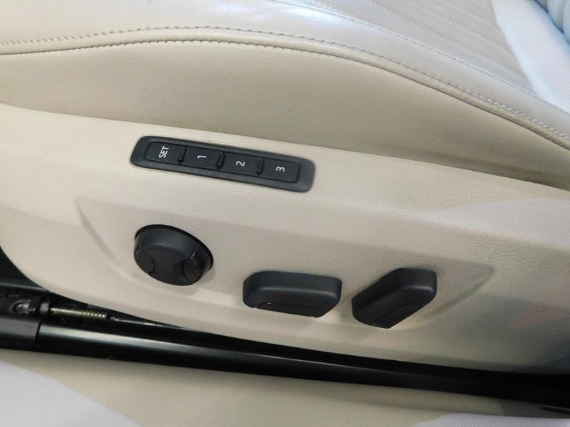 Photo 17 de l'offre de SKODA Superb 2.0 TDI190 SCR Greentec Laurin&Klement DSG à 18490€ chez Autovia Véhicules Multimarques