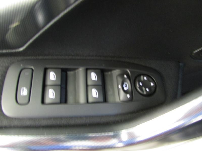Photo 12 de l'offre de PEUGEOT 2008 1.6 e-HDi92 FAP Allure à 10390€ chez Autovia Véhicules Multimarques