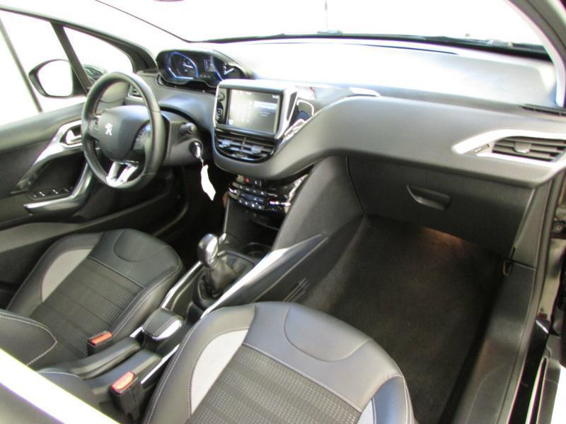 Photo 15 de l'offre de PEUGEOT 2008 1.6 e-HDi92 FAP Allure à 10390€ chez Autovia Véhicules Multimarques