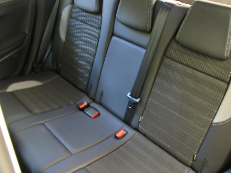 Photo 8 de l'offre de PEUGEOT 2008 1.6 e-HDi92 FAP Allure à 10390€ chez Autovia Véhicules Multimarques