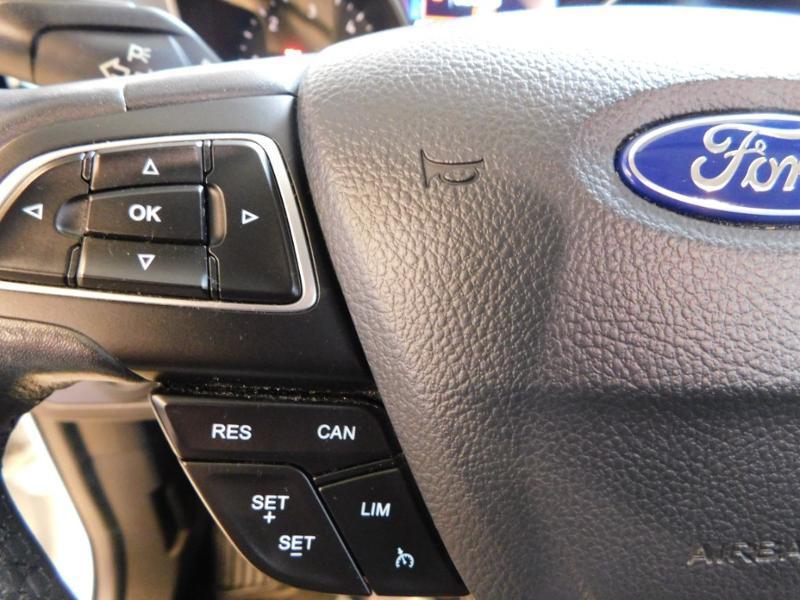 Photo 13 de l'offre de FORD Kuga 1.5 TDCi 120ch Stop&Start Titanium 4x2 à 18490€ chez Autovia Véhicules Multimarques