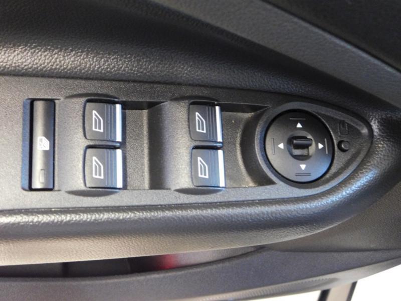 Photo 11 de l'offre de FORD Kuga 1.5 TDCi 120ch Stop&Start Titanium 4x2 à 18490€ chez Autovia Véhicules Multimarques
