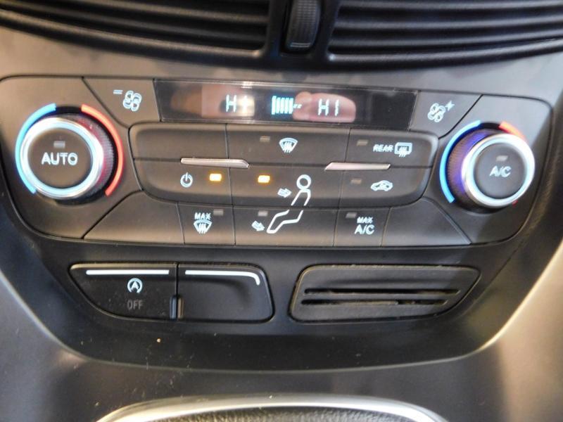 Photo 17 de l'offre de FORD Kuga 1.5 TDCi 120ch Stop&Start Titanium 4x2 à 18490€ chez Autovia Véhicules Multimarques