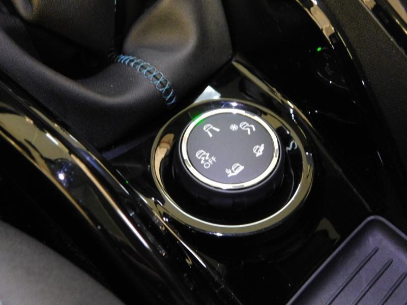 Photo 14 de l'offre de PEUGEOT 2008 1.5 BlueHDi 100ch E6.c Crossway à 16990€ chez Autovia Véhicules Multimarques