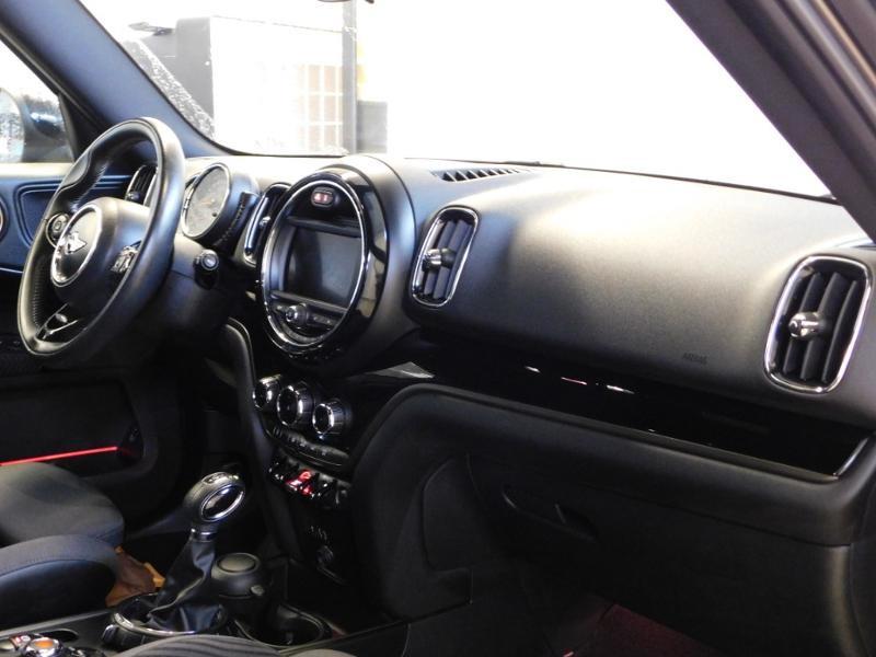 Photo 10 de l'offre de MINI Countryman Cooper D 150ch Chili BVA à 27900€ chez Autovia Véhicules Multimarques