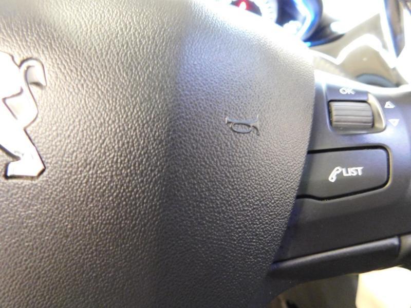 Photo 15 de l'offre de PEUGEOT 2008 1.5 BlueHDi 100ch E6.c Crossway à 16990€ chez Autovia Véhicules Multimarques