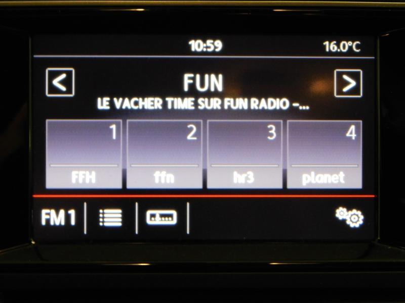 Photo 20 de l'offre de VOLKSWAGEN Golf 1.6 TDI 105ch BlueMotion Technology FAP Trendline 5p à 15490€ chez Autovia Véhicules Multimarques