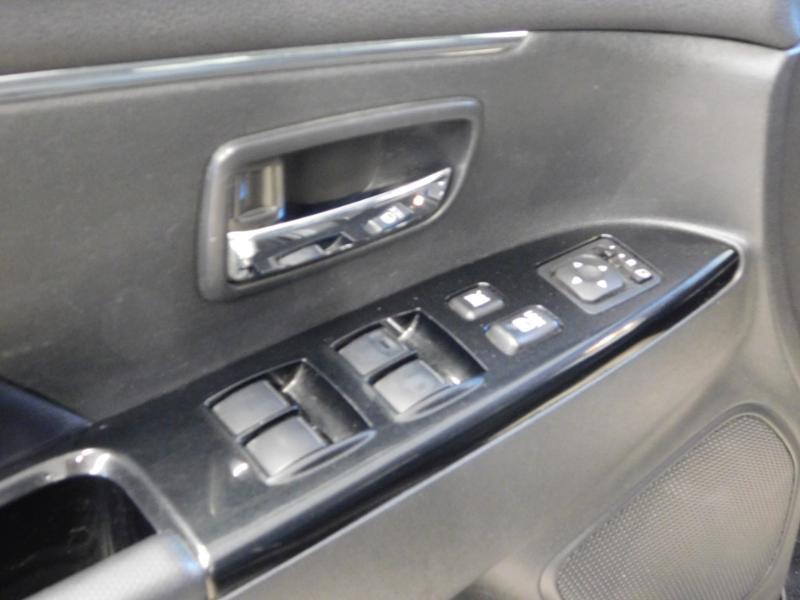 Photo 16 de l'offre de PEUGEOT 4008 1.8 HDi150 FAP STT 4WD à 17490€ chez Autovia Véhicules Multimarques