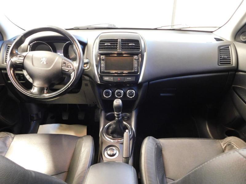 Photo 2 de l'offre de PEUGEOT 4008 1.8 HDi150 FAP STT 4WD à 17490€ chez Autovia Véhicules Multimarques