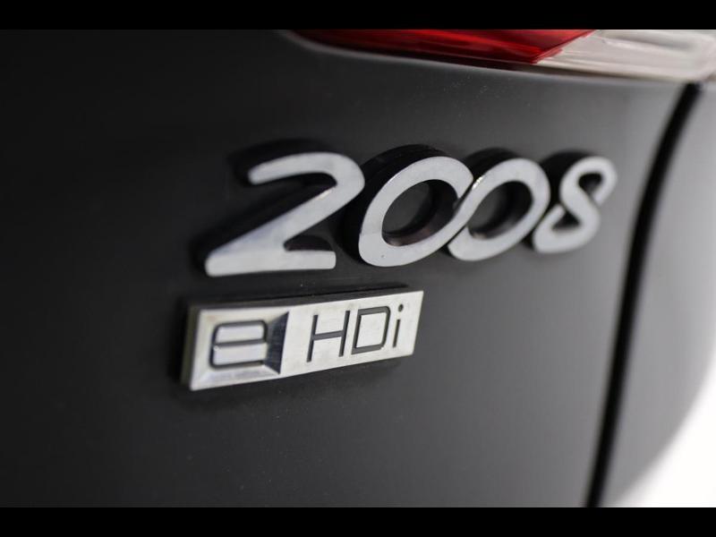 Photo 7 de l'offre de PEUGEOT 2008 1.6 e-HDi92 FAP Allure à 11990€ chez Autovia Véhicules Multimarques