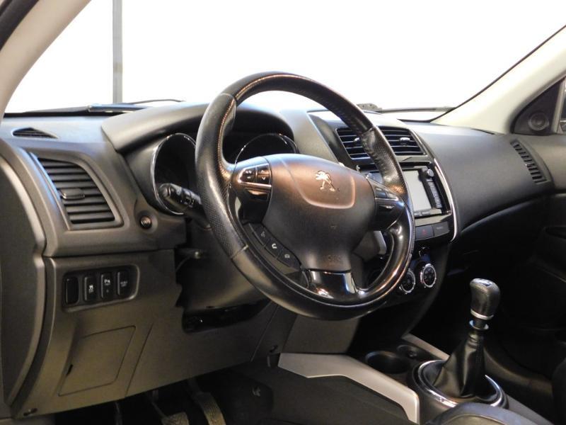 Photo 13 de l'offre de PEUGEOT 4008 1.8 HDi150 FAP STT 4WD à 17490€ chez Autovia Véhicules Multimarques