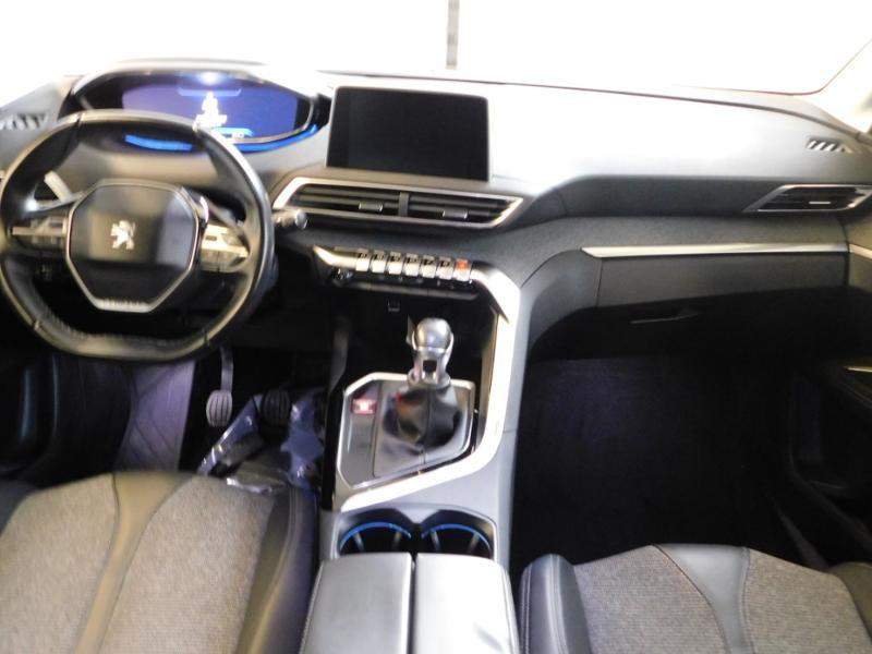 Photo 2 de l'offre de PEUGEOT 3008 1.5 BlueHDi 130ch E6.c Allure S&S à 24890€ chez Autovia Véhicules Multimarques