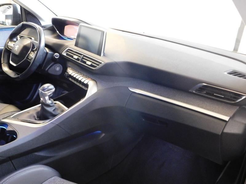 Photo 8 de l'offre de PEUGEOT 3008 1.5 BlueHDi 130ch E6.c Allure S&S à 24890€ chez Autovia Véhicules Multimarques
