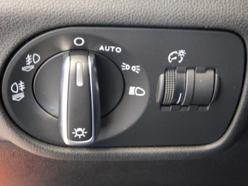 Photo 12 de l'offre de AUDI A1 Sportback 1.0 TFSI 95ch ultra Ambition à 17490€ chez Autovia Véhicules Multimarques