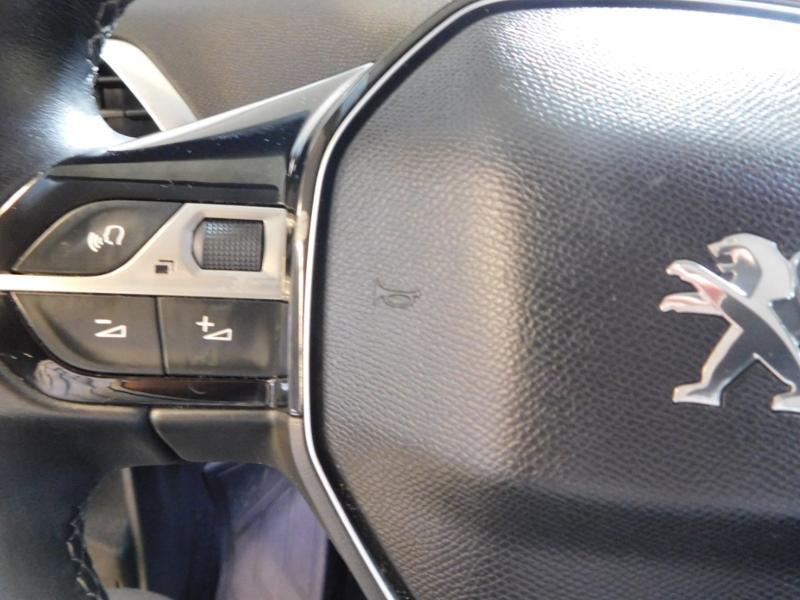Photo 13 de l'offre de PEUGEOT 3008 1.5 BlueHDi 130ch E6.c Allure S&S à 24890€ chez Autovia Véhicules Multimarques