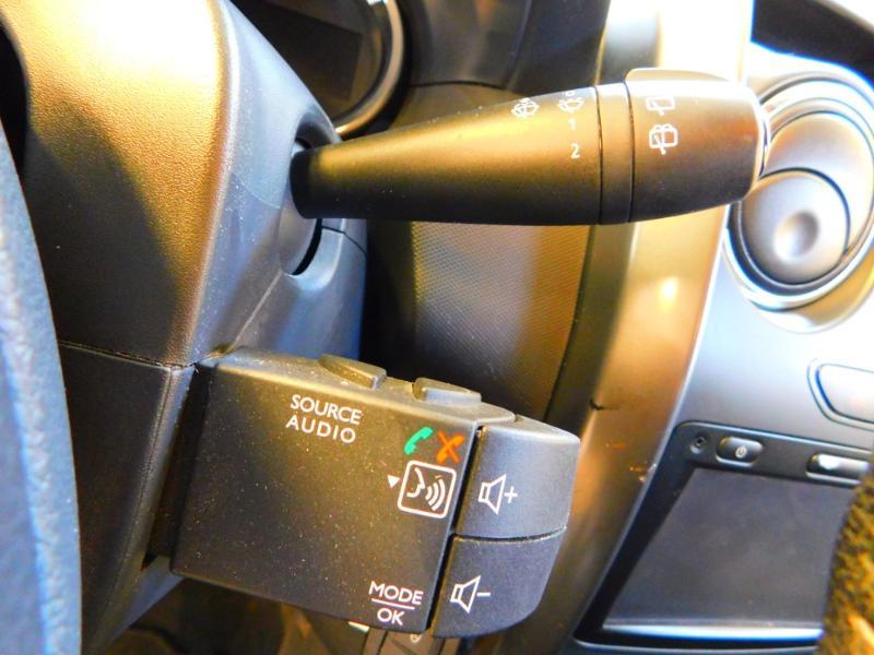 Photo 14 de l'offre de DACIA Duster 1.5 dCi 110ch Prestige 4X2 Euro6 à 12990€ chez Autovia Véhicules Multimarques