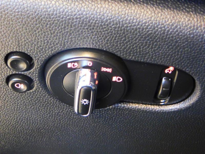 Photo 12 de l'offre de MINI Mini 5 Portes Cooper 136ch Blackfriars BVA à 22990€ chez Autovia Véhicules Multimarques
