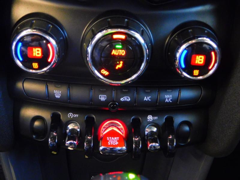 Photo 17 de l'offre de MINI Mini 5 Portes Cooper 136ch Blackfriars BVA à 22990€ chez Autovia Véhicules Multimarques