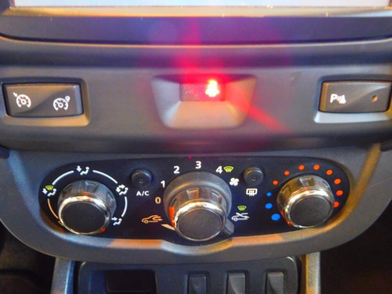 Photo 20 de l'offre de DACIA Duster 1.5 dCi 110ch Prestige 4X2 Euro6 à 12990€ chez Autovia Véhicules Multimarques