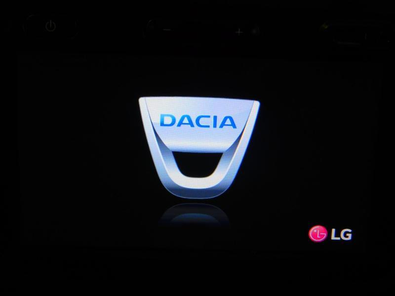 Photo 16 de l'offre de DACIA Duster 1.5 dCi 110ch Prestige 4X2 Euro6 à 12990€ chez Autovia Véhicules Multimarques
