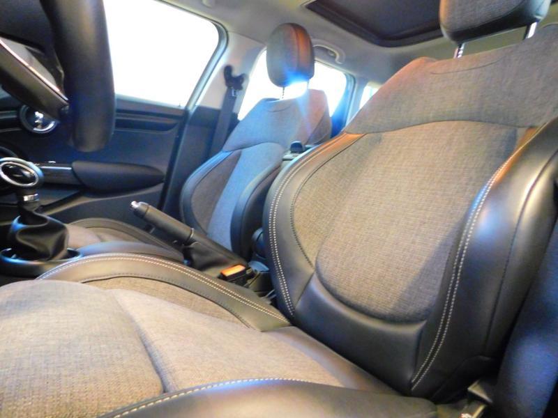 Photo 9 de l'offre de MINI Mini 5 Portes Cooper 136ch Blackfriars BVA à 22990€ chez Autovia Véhicules Multimarques